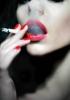 labbra-rosse-e-sigaretta2 (1)