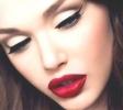 make-up-sensuale-con-labbra-rosso-fuoco